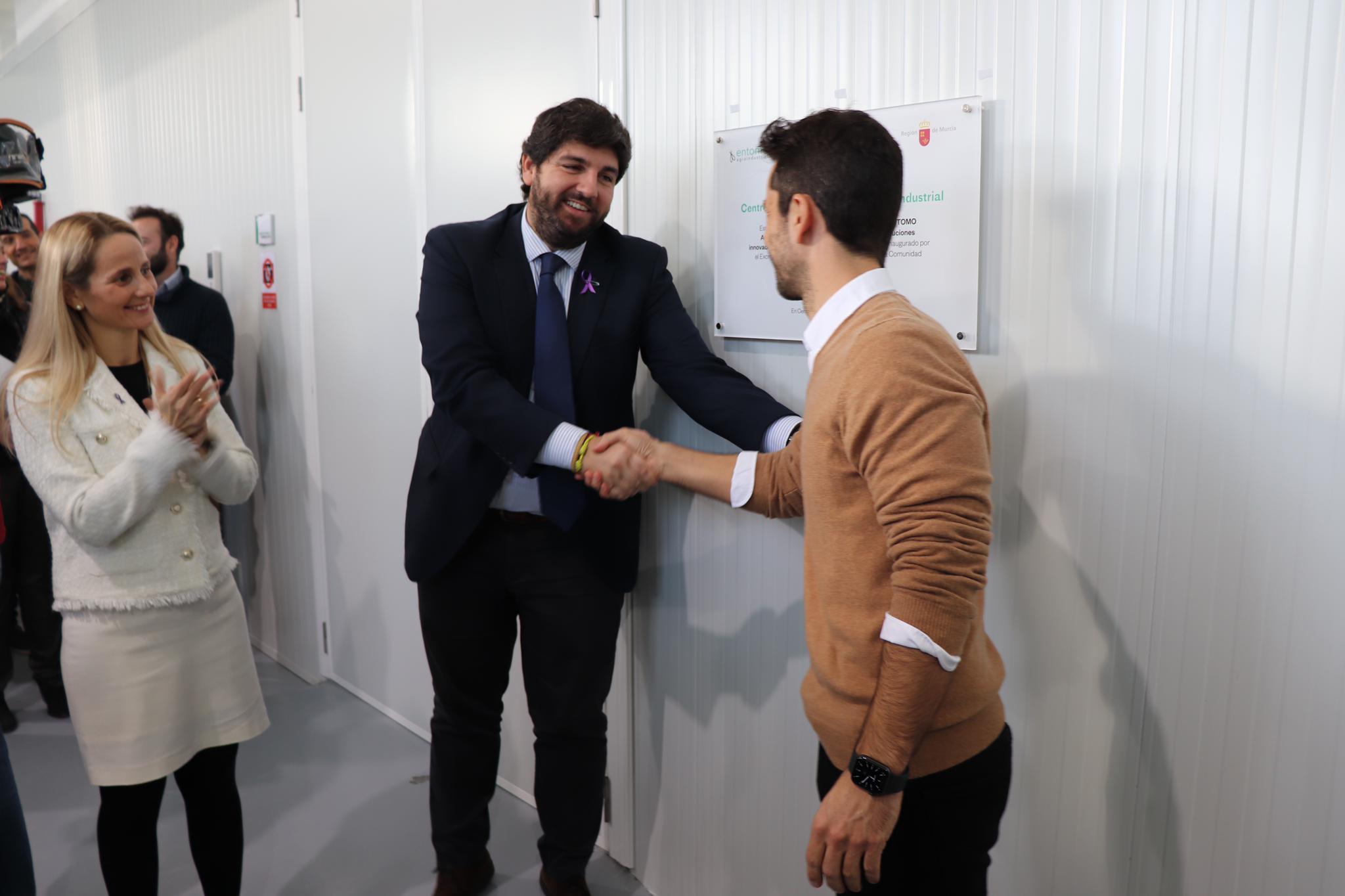 López Miras inaugura el Centro de Investigación de Ecología Industrial de la empresa Entomo Agroindustrial
